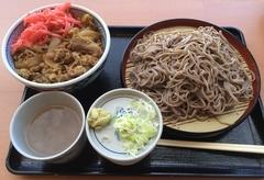 そば処吉野家牛丼とそばセット700円→900円.jpg