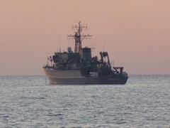 はちじょう (MSO-303)掃海艦 (MSO)木製.jpg