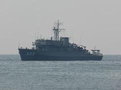 はちじょう (MSO-303)掃海艦 (MSO)翌日.jpg