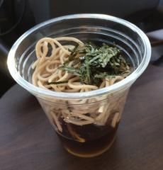 セイコーマート冷たいカップそば138円.jpg