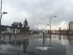 下北駅雨で外に出れません.jpg