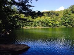 半月湖湖畔はカールと僕のオンリー2.jpg