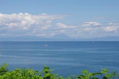噴火湾のむこうに羊蹄山.jpg