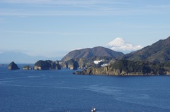 堂ヶ島と富士山.jpg