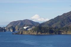 堂ヶ島と富士山雪が増えてます.jpg