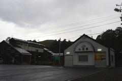 小沢駅駅舎.jpg