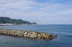 小泊港から小泊岬.jpg