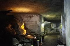 岩室洞の中怖っ!.jpg