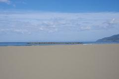 折腰内海岸4水平線の向こうは北海道.jpg
