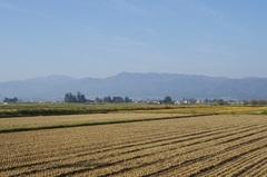新潟県境の山々.jpg