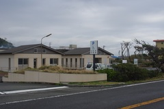 日向子駐車場左は休憩所.jpg