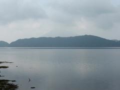 池田湖うしろに開聞岳.jpg