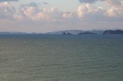 海南市から北方向左が淡路島.jpg
