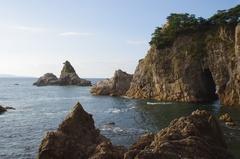 笹川流れ2左が粟島.jpg