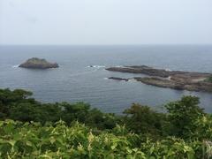 細島灯台の手前南方向の海.jpg