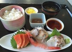 道の駅 上ノ国 もんじゅ 刺身定食税込み980円.jpg
