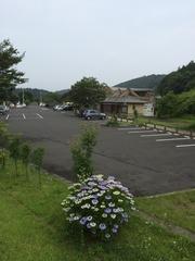 道の駅川辺やすらぎの郷駐車場.jpg
