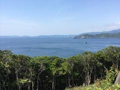 遠くに由良半島.jpg