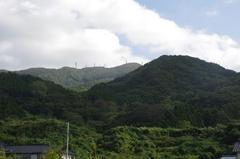 野積海水浴場から弥彦山.jpg