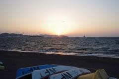 館山湾浪は高い風は強いけどいい夕日になりそう.jpg