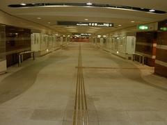 駅前地下道2.jpg