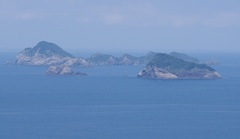 高茂岬駐車場から 北方向 島拡大.jpg