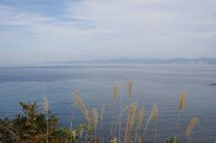 高野崎から下北半島右の岩肌が仏ヶ浦.jpg