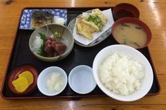 魚河岸定食1000円.jpg