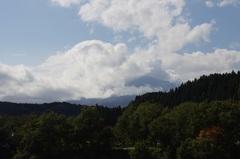 鳥海山は雲の中.jpg