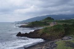 鹿の浦展望台5北側海岸白神山地.jpg