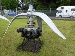 鹿屋零戦21型A6M2プロペラと栄12型エンジン.jpg