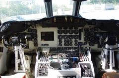 P-3哨戒機操縦席.jpg