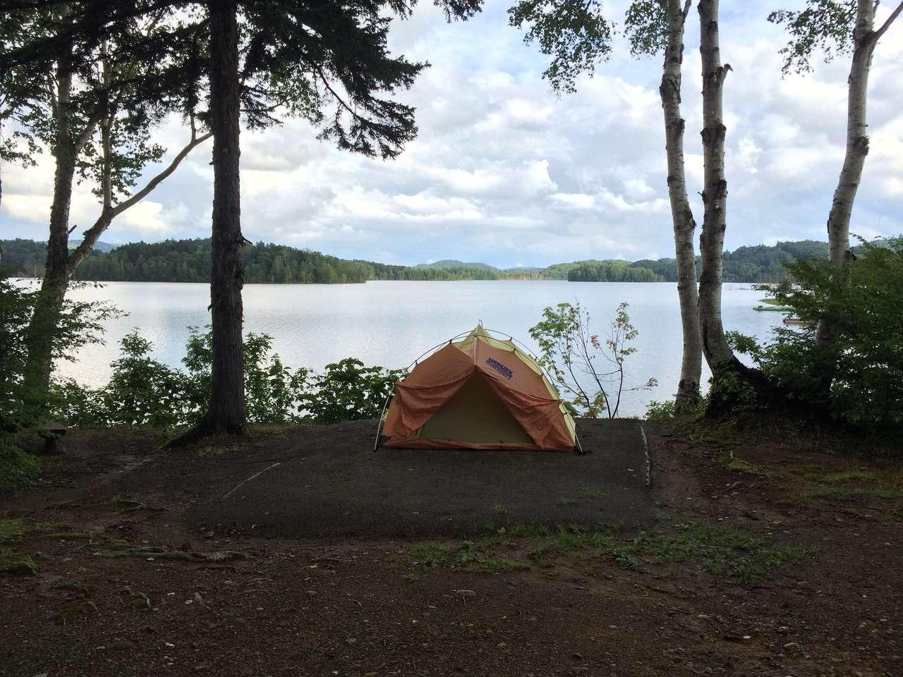 場 キャンプ 朱鞠内 湖畔